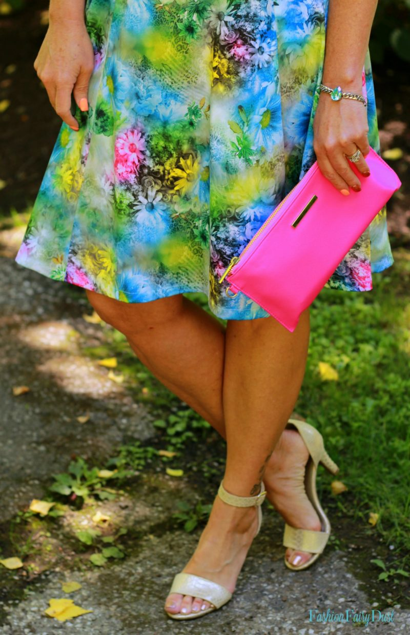 floral print dress, pink clutch, nude metallic sandals