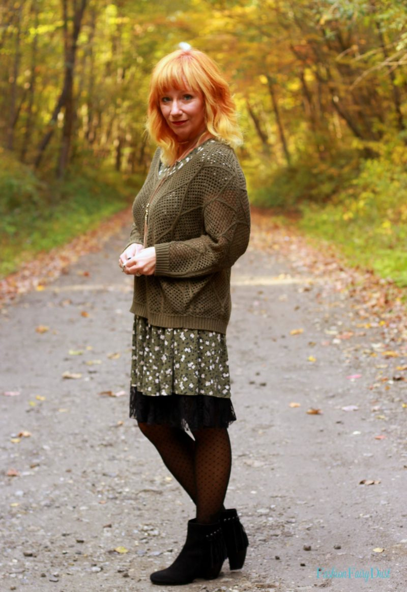 Floral babydoll dress, fringe ankle boots and tights. Finding the perfect tights for Fall/Winter.