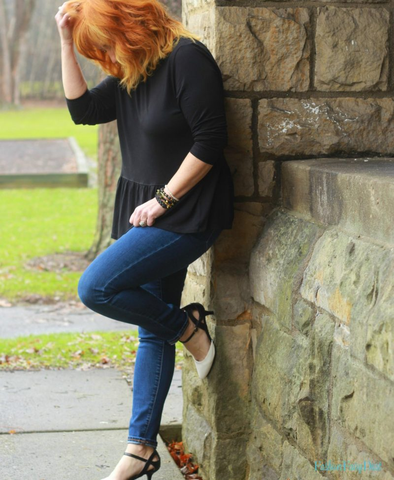 Black & white pumps, peplum top and skinny jeans.