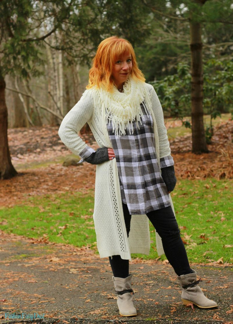 Plaid flannel tunic, black skinny jeans and gray suede boots. How to update a pair of boots.