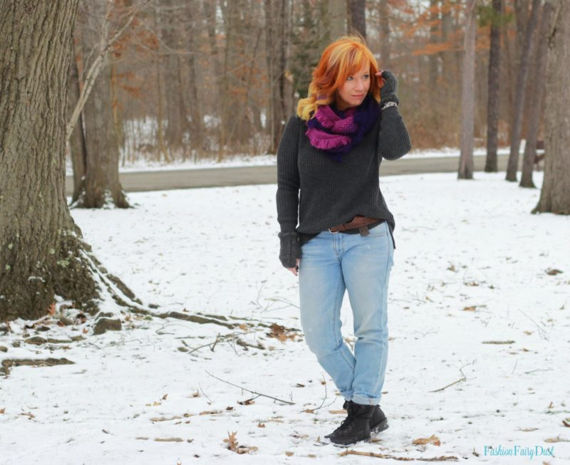 Gray shaker stitch sweater, combat boots and boyfriend jeans. Casual winter outfit.