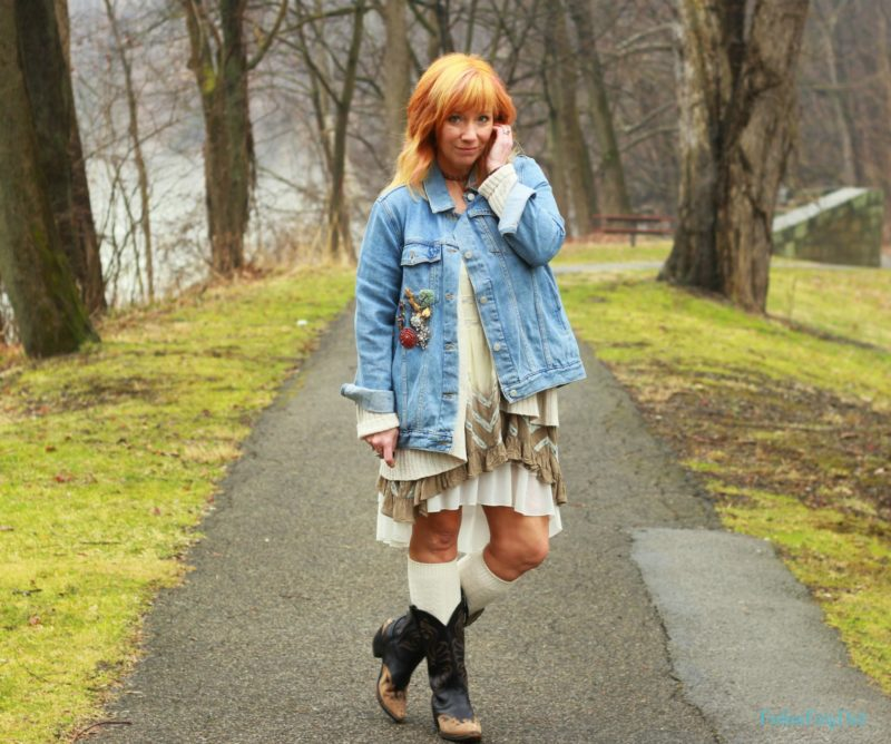 Cowboy boots, boho dress and denim jacket. How to style a Spring boho outfit.